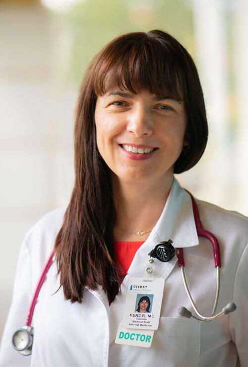 Dr. Claudia V. Perdei